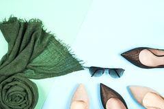 Μόδα Σύνολο μόδας εξαρτημάτων ενδυμάτων Θηλυκά μοντέρνα gumshoes Στοκ Εικόνα