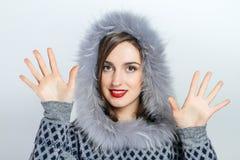 Μόδα χειμερινής ομορφιάς r συγκινήσεις Επαγγελματικά makeup και μανικιούρ Στοκ φωτογραφία με δικαίωμα ελεύθερης χρήσης