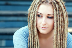 Μόδα hairstyle με τους φόβους Στοκ Εικόνα