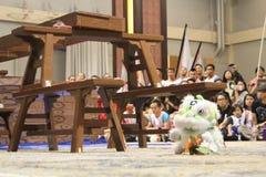 Μύθοι Kungfu - λιοντάρι plushie κατά τη διάρκεια της απόδοσης Στοκ Φωτογραφίες