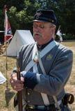 Μύλοι του Duncan, Calif/στις 14 Ιουλίου 2012: Άτομο στη στρατιωτική στολή στοκ εικόνα με δικαίωμα ελεύθερης χρήσης