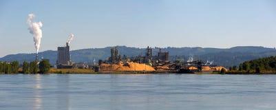 Μύλος εγγράφου κατά μήκος του πανοράματος ποταμών της Κολούμπια στο κράτος WA στοκ φωτογραφία