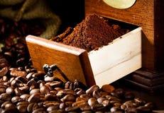 μύλος φλυτζανιών καφέ παλαιός Στοκ Φωτογραφίες
