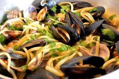 Μύδια, linguine, ιταλικά τρόφιμα, ιταλικό γούστο, τρόφιμα Στοκ φωτογραφία με δικαίωμα ελεύθερης χρήσης