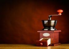 Μύλος καφέ χεριών με το διάστημα αντιγράφων Στοκ Φωτογραφίες