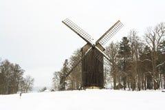 Μύλος στο χιόνι Στοκ φωτογραφία με δικαίωμα ελεύθερης χρήσης