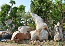 Νάνος και Stone στοκ εικόνες με δικαίωμα ελεύθερης χρήσης
