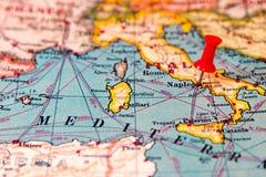Νάπολη, Ιταλία που καρφώνεται στον εκλεκτής ποιότητας χάρτη της Ευρώπης Στοκ Εικόνες