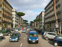 Νάπολη, Ιταλία - 25 Φεβρουαρίου 2012 - μια από τις οδούς του CI Στοκ Εικόνες