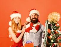 Νέα έννοια έτους και χρόνου Χριστουγέννων Ο κύριος και Missis Claus στοκ εικόνες με δικαίωμα ελεύθερης χρήσης
