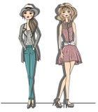 Νέα απεικόνιση κοριτσιών μόδας. Διάνυσμα illustrat ελεύθερη απεικόνιση δικαιώματος
