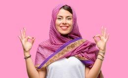 Νέα αραβική γυναίκα στοκ εικόνες