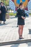 Νέα αστυνομικίνα - ο λοχίας προστατεύει μια διαταγή Στοκ Εικόνα