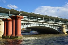 Νέα γέφυρα Blackfriars, Λονδίνο Στοκ Εικόνες