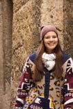Νέα γυναίκα με ένα φυσικό χαμόγελο Στοκ εικόνα με δικαίωμα ελεύθερης χρήσης