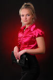 Νέα γυναίκα με μια τσάντα Στοκ Φωτογραφία