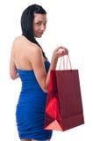 Νέα γυναίκα με τις τσάντες αγορών Στοκ φωτογραφίες με δικαίωμα ελεύθερης χρήσης