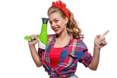 Νέα γυναίκα με το hairdryer Στοκ εικόνα με δικαίωμα ελεύθερης χρήσης