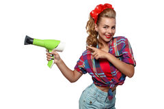 Νέα γυναίκα με το hairdryer Στοκ φωτογραφία με δικαίωμα ελεύθερης χρήσης