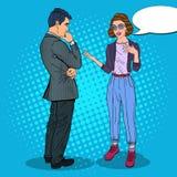Νέα γυναίκα που μιλά με τον άνδρα business businessman cmputer desk laptop meeting smiling talking to using woman Λαϊκή απεικόνισ Στοκ Φωτογραφίες