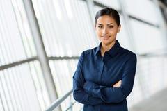 Νέα γυναίκα σταδιοδρομίας στοκ φωτογραφία με δικαίωμα ελεύθερης χρήσης