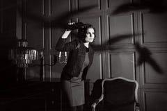 Νέα γυναίκα στη ταινία τρόμου Στοκ εικόνα με δικαίωμα ελεύθερης χρήσης