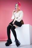Νέα γυναίκα στο ιαπωνικό anime cosplay Στοκ Εικόνες