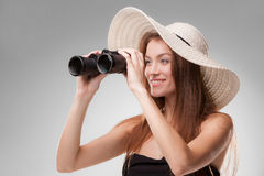 Νέα γυναίκα στο καπέλο με τις διόπτρες Στοκ Φωτογραφία