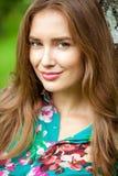 Νέα γυναίκα brunette Στοκ εικόνα με δικαίωμα ελεύθερης χρήσης
