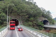 Νέα εδάφη, Hong Kong- 9 Ιουνίου 2018: Κόκκινο διπλό λεωφορείο γεφυρών και στοκ φωτογραφίες με δικαίωμα ελεύθερης χρήσης