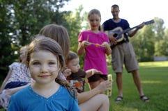 Νέα ευτυχής οικογένεια Στοκ Εικόνες