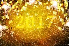 Νέα διακόσμηση έτους, κινηματογράφηση σε πρώτο πλάνο στα χρυσά υπόβαθρα Στοκ φωτογραφία με δικαίωμα ελεύθερης χρήσης