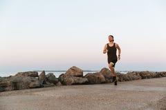 Νέα ικανότητα Mann που τρέχει υπαίθρια στοκ φωτογραφίες