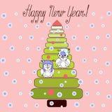Νέα κάρτα έτους με τις κουκουβάγιες στο χριστουγεννιάτικο δέντρο ελεύθερη απεικόνιση δικαιώματος