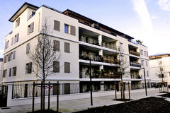 Νέα κατασκευή σε μια νέα γειτονιά Στοκ Φωτογραφία