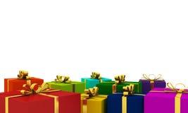 Νέα κιβώτια δώρων έτους πολύχρωμα με τις χρυσές κορδέλλες Στοκ Φωτογραφία