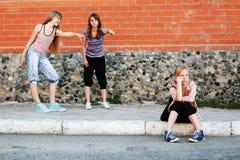 Νέα κορίτσια σε σύγκρουση Στοκ φωτογραφία με δικαίωμα ελεύθερης χρήσης