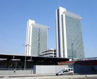 Νέα κτίρια γραφείων του Μιλάνου Στοκ εικόνα με δικαίωμα ελεύθερης χρήσης