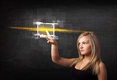 Νέα κυρία τεχνολογίας σχετικά με το κουμπί με την πορτοκαλιά έννοια ελαφριών ακτίνων Στοκ Φωτογραφία