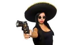 Νέα μεξικάνικη γυναίκα με το πυροβόλο όπλο στο λευκό στοκ φωτογραφίες