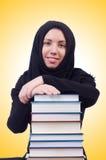Νέα μουσουλμανική γυναίκα σπουδαστής Στοκ φωτογραφία με δικαίωμα ελεύθερης χρήσης