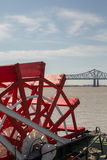 Νέα Ορλεάνη - Paddlewheel, ποταμός, και γέφυρα Στοκ φωτογραφία με δικαίωμα ελεύθερης χρήσης