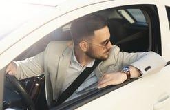 Νέα οδήγηση επιχειρηματιών Στοκ Εικόνα