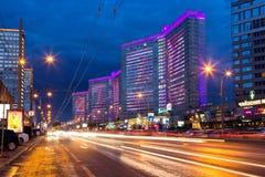 Νέα οδός Arbat μετά από το ηλιοβασίλεμα Μόσχα Ρωσία Στοκ Εικόνες