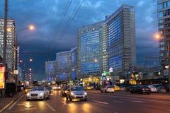 Νέα οδός Arbat μετά από το ηλιοβασίλεμα Μόσχα Ρωσία Στοκ Εικόνα