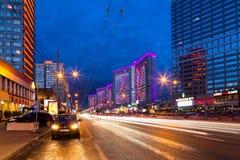 Νέα οδός Arbat μετά από το ηλιοβασίλεμα Μόσχα Ρωσία Στοκ Φωτογραφία