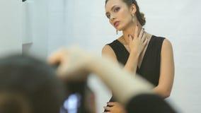 Νέα παρασκήνια συνόδου φωτογραφιών γυναικών απόθεμα βίντεο