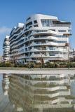 Νέα περιοχή CityLife στο Μιλάνο με τα σύγχρονα και πολυτελή residencial και εταιρικά κτήρια Κατοικίες Hadid Στοκ Φωτογραφία