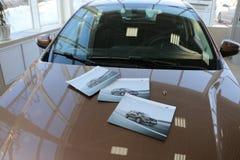 Νέα ρωσική ΑΚΤΙΝΑ X Lada αυτοκινήτων κατά τη διάρκεια της παρουσίασης στις 14 Φεβρουαρίου 2016 στην αυτοκινητική αίθουσα εκθέσεως Στοκ Εικόνα