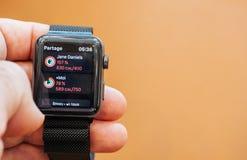 Νέα σειρά 3 ρολογιών της Apple που μοιράζεται τα στοιχεία υγείας στοιχείων, Στοκ Εικόνες